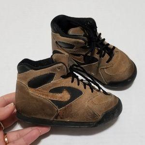 Vintage Nike 6.5 High Top Leather Brown Sneakers